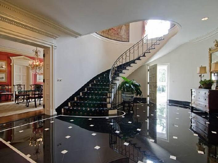 SUPER BLACK oktagon 60x60 inspiracja schody