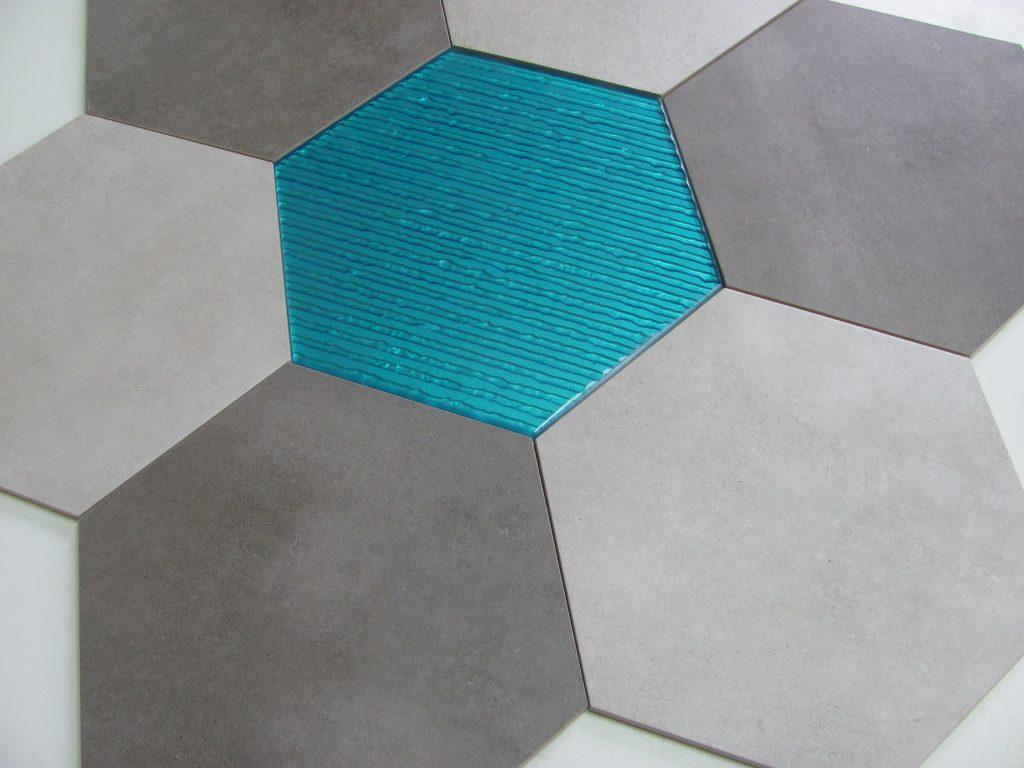 dekor szklany HEXON TURKUS 30x30 & BETONIC 2