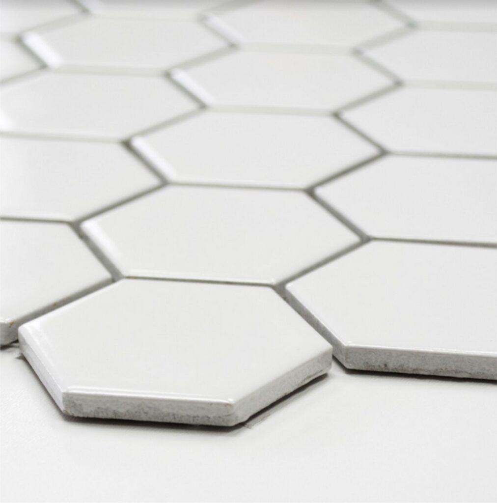 biala-mat-48x48-heksagonalna
