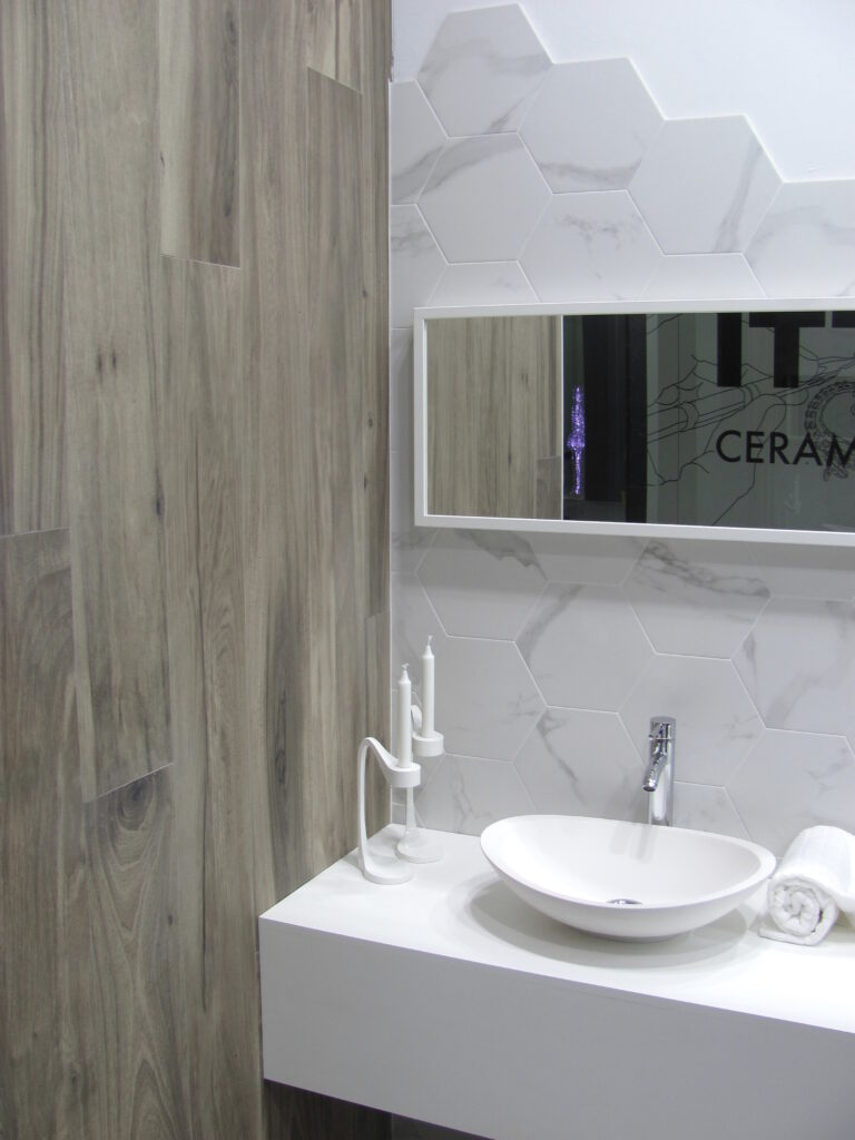 hexon-carrara-31x27-1