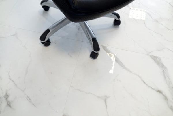 CARRARA BLANCO MONTE 80×80 fotel 3