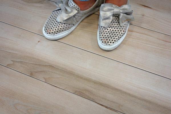 MOLTEN BEIGE aranzacja buty 2