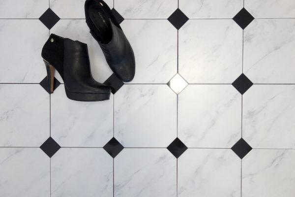 płytki oktagonalne CARRARA MAT 20×20 real foto buty